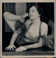 vintage freak show photos Jean Renoir, Marion Davies, Anna Pavlova, Old Circus, Vintage Circus, Vintage Burlesque, Night Circus, Mary Blair, Louise Brooks