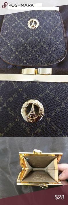 LA TOUR EIFFEL Cute LA TOUR EIFFEL coin purse.  Genuine leather Bags Wallets