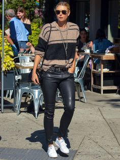 Maria Sharapova Lookbook: Maria Sharapova wearing Leather Sneakers (4 of 5). Maria Sharapova opted for comfy white sneakers to complete her look.