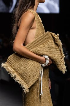Fashion Mode, Runway Fashion, Fashion Show, Womens Fashion, Milan Fashion, Fashion Bags, Knitwear Fashion, Knit Fashion, Moda Crochet