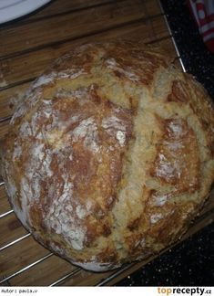 Domácí chléb (výborný) Slovak Recipes, Czech Recipes, Russian Recipes, Savoury Baking, Bread Baking, Y Recipe, Good Food, Yummy Food, Salty Snacks