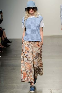 Karen Walker RTW Spring 2015 - Slideshow Fashion Models 5afdc3a70c