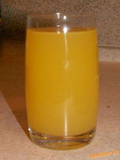 Nejprve pomeranče a citron omyjeme,nejlépe vydrbeme drátěnkou,aby jsme je zbavily případných chemick... Shot Glass, Beverages, Smoothie, Tea, Tableware, Food, Lemon, Syrup, Dinnerware