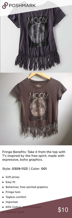 """AEO fringe graphic t shirt Great condition! Says """"moon &a stars"""" American Eagle Outfitters Tops Tees - Short Sleeve"""