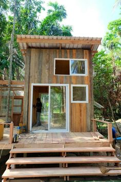 Tree House To Live In Cabins Forests Ideas Rest House, Tiny House Cabin, Tiny House Living, Tiny House Design, Cabin Homes, Bamboo House, Micro House, Farm Stay, Small Places
