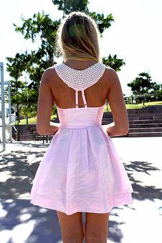 Breakfast @ Tiffany's light pink dress. <3 it.