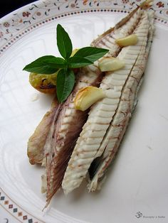 Pecena makrela / Baked seer fish Freshwater Fish, Sea Food, Prawn, Indie, Food And Drink, Cheese, Ethnic Recipes, Food, Seafood