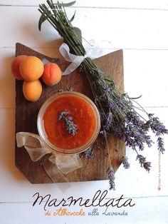 Semplice, veloce, colorata ed originale. Portate in tavola il sapore dell' estate con la #MARMELLATADIALBICOCHEALLALAVANDA!!!! Qui la ricetta: http://www.lapasticceriadichico.it/2015/07/marmellata-di-albicocche-alla-lavanda.html