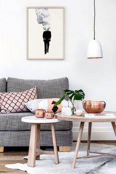 Скандинавский стиль в интерьере: 40 простых и гармоничных примеров реализации http://happymodern.ru/skandinavskij-stil-v-interere-40-foto-garmoniya-blagorodnoj-prostoty/ Натуральные материалы в современной гостиной комнате скандинавского стиля: дерево, лен, медь
