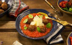 Almôndegas de carne assadas com molho de tomate caseiro da Rita Lobo.
