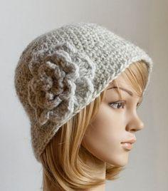 Classy Calista Cloche pattern by Whisper Twister Crochet Winter Hats, Crochet Hat For Women, Bonnet Crochet, Crochet Beanie Hat, Double Crochet, Single Crochet, Crochet Hooks, Knit Crochet, Flapper Hat