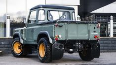 """carsthatnevermadeitetc: """"Land Rover Defender TDCI 90 Pick Up – Chelsea Wide Track, by Kahn Design. An earlier Defender-based project from the Chelsea Truck Company """" Landrover Defender, Land Rover Defender Pickup, Defender 90, Cummins, Sidekick Suzuki, Land Rover Santana, Land Rover Pick Up, Kahn Design, Land Rover Series 3"""