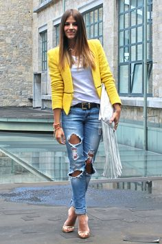 40 Popular Yellow Blazer Outfit Ideas With Ripped Jeans - Classy Outfits, Casual Outfits, Hot Outfits, Spring Outfits, Pastel Jacket, Denim Fashion, Fashion Outfits, Style Fashion, Trendy Taste