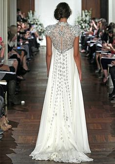 Jenny Packham SS 2013 silver and white wedding gown Beautiful Gowns, Beautiful Outfits, Gorgeous Dress, Stunning Dresses, Beautiful Bride, Bridal Gowns, Wedding Gowns, Lace Wedding, Bling Wedding
