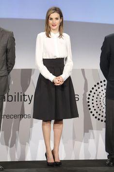 Lució su versión más 'lady' para acudir a la entrega de los diez premios correspondientes a la tercera edición de los 'Telefónica Ability Awards', que reconocen el esfuerzo en la integración de discapacitados
