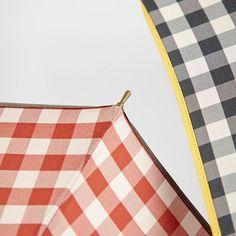 Paraguas Ezpeleta —#10639 Paraguas largo de mujer. 60/8 Madera manual con varilas de fibra de vidrio. Estampado cuadro vichy. Tejido poliéster. Surtido de 4 colores. Colección 2016. #umbrella #fashion #trend