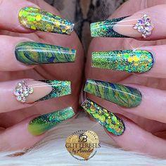 Created using all acrylic system. Sexy Nails, Glam Nails, Fancy Nails, Bling Nails, Crazy Nail Art, Crazy Nails, Pretty Nail Art, Creative Nail Designs, Cute Nail Designs