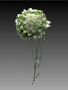 Blomster billede: Brudebuket. Baby's breath/stephinotis/grass/lily petals. Annette von Einem