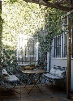 憧れるゥ!本当に素晴らしいオシャレすぎる裏庭のダイニング – Backyard Dining | STYLE4 Design