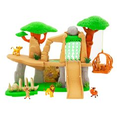 Adopt a problem-free philosophy while enjoying this deluxe Pride Lands play set inspired by Disney's The Lion King. With 5 figures and multiple ways to play, they'll be feeling the love tonight. Disney Play, Disney Toys, Disney Mickey Mouse, Disney Parks, Walt Disney, Young Simba, Resort Logo, Disney Sketches, Disney Junior