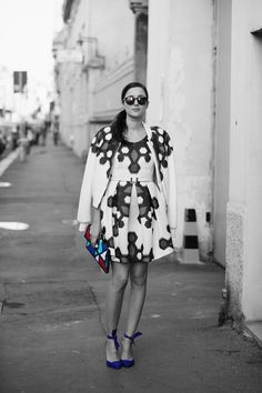 A bold look! The eye-catching #PrintOnPrint says confident and fashionable. #fashion #streetstyle #clutchbag. Get 15% off! Use #discountcode: PIN15 at the #accessoryo checkout!