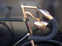Nice classic look>> Detroit Bicycle vintage headlight