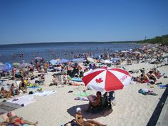 Canada has wonderful sandy beaches. O Canada, Canada Travel, Vacation Destinations, Dream Vacations, Places To Travel, Places To See, Moon Over Water, Lake Winnipeg, Canada Pictures