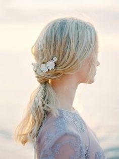 The Wild Rose Accessories flower bridal hairpins, bridal accessory, hair accessory  Photo Isabelle Hesselberg www.2brides.se
