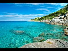 Elba Island : prepare your stay with the Michelin Green Guide. Useful info, unmissable tourist sites, hotels and restaurants - Elba Island Emilia Romagna, Elba Island, Toscana Italia, Italy Map, Tuscany Italy, Photo Images, Destination Voyage, Northern Italy, Dream Vacations