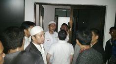 Allahu Akbar! Acara Syiah di Pekanbaru Berhasil Dibubarkan Warga & Aparat  Pembubaran acara Syiah di Pekanbaru  Syiahindonesia.com - Ratusan massa Ahlusunnah wal Jamaah (Aswaja) se-Pekanbaru yang menamakan dirinya Barisan Pemuda Islam Riau (BPI-R) bersama aparat kepolisian berhasil membatalkan acara kelompok Syiah Jumat malam (01/04) di Gedung Pusgit HMI Jalan Melayu RW 15 Arengka Pekanbaru. Acara yang digelar sekte Syiah di Pekanbaru merupakan peringatan kelahiran Fatimah Az-Zahra. Tokoh…