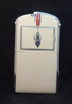 Vintage Art Deco Style Ronson Large Cigarette Case Lighter and Compact