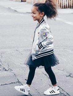 #bomber #fashionkids #trendalert #scoutfashion #rocketsofawesome #kidstreetstyle #coolkidsclothes #littlefashionistascloset #tendencias #modaniña