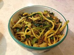 Chow Mien Mince Chow Mein Mince, Slow Cooker Recipes, Crockpot Recipes, Asian Stir Fry, Fried Vegetables, Vegetable Stir Fry, Recipe For 4, Chow Chow, Meals