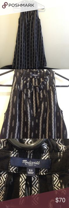 Madewell Western Printed Sleeveless Dress Madewell dress with black and white western striped pattern vertically- sleeveless and has pockets on either side. Size extra small and is worn a few times! In good condition and looks great with a belt! Madewell Dresses Midi