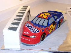 Love this cake....just wish it was Kyle Busch car instead.......