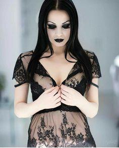 Hot Goth Girls, Gothic Girls, Dark Fashion, Gothic Fashion, Fashion Tips, Witch Fashion, Style Fashion, Goth Beauty, Dark Beauty