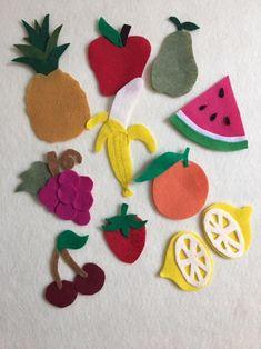 Fruits and Veggies Patterns For Felt Board or Flannel board Felt Fruit, Felt Food, Flannel Board Stories, Flannel Boards, Felt Board Patterns, Felt Board Templates, Felt Crafts, Paper Crafts, Vegetable Crafts