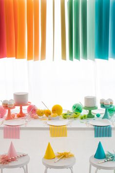 Hanging Paper Installation in a Colorful Rainbow Gradient Tablescape Rainbow Parties, Rainbow Birthday Party, Adult Birthday Party, Party Mottos, Paper Installation, Rainbow Paper, Festa Party, Art Party, Diy Party Decorations