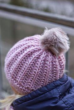 Soppaa ja silmukoita: Tupsupipo-ohje Floral Doodle, Different Stitches, Kids Hats, Baby Knitting Patterns, Beanie Hats, Knitted Hats, Free Pattern, Knit Crochet, Winter Hats