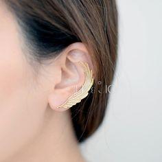 Gold/Silver Second Angel Wing Ear Cuff with Stud door bkandjio