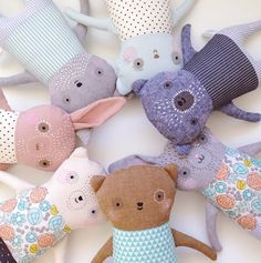 Ok how super beautiful are these handmade soft toys by mother/daughter duo Ez & Kaia Pudewa? They run a business called Petit Pippin and they lovingly des - toys Sewing Toys, Sewing Crafts, Sewing Projects, Plush Dolls, Doll Toys, Softies, Handmade Soft Toys, Fabric Animals, Fabric Toys
