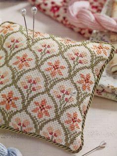 Resultado de imagen para cross stitch napkin , pinterest