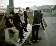 Image in Skater Boy collection by adoroajakubgierszal Longboarding, Skater Girls, Storyboard, Skateboarding, Foto E Video, Character Inspiration, Skateboard Art, Folk, Photoshoot