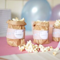 Decowrappers | Feestvlaggetjes #babyborrel #kinderfeestje #deco #wrappers… Diy Party Gifts, Pregnant Sisters, Kids Meals, Catering, Birthday Parties, Place Card Holders, Baby Shower, Blues, Table Decorations