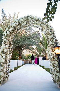Wedding Arches, wedding decor, wedding decorations, wedding design, wedding flowers, dubai, flowers by Bliss