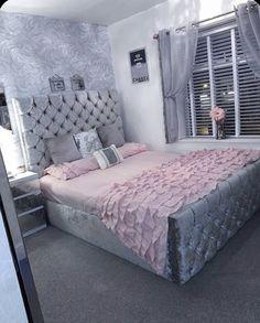 Grey Bedroom Decor, Bedroom Decor For Teen Girls, Room Design Bedroom, Teen Room Decor, Stylish Bedroom, Room Ideas Bedroom, Girl Apartment Decor, Teenage Girl Bedroom Designs, Beauty Room Decor