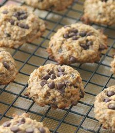 Peanut Butter Oatmeal Cookies no oil no flour no eggs no added sugar Source by parrishw Choco Chip Cookies, Choco Chips, Semi Sweet Chocolate Chips, Oatmeal Cookies, Chocolate Cookies, Healthy Treats, Yummy Treats, Delicious Desserts, Yummy Food