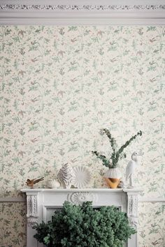 Cole & Son Hummingbirds Wallpaper | Designer Wallpapers 2017 | TM Interiors Limited The much loved and ever elegant, Cole and Son Hummingbirds Wallpaper, is realised in a range of 4 new colour palettes. The contrasting feather-toned Viridian, spring-like Green and Pink, and chalky Pastel, alongside the dark embers of Charcoal and Ginger, all provide an enchanting update to one of Cole and Son's most enduring designs.