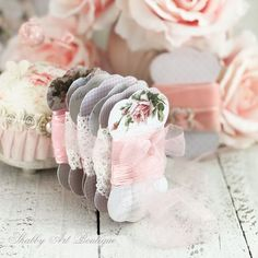 How to make these free printable lace and ribbon holders from Shabby Art Boutique How To Make Ribbon, Diy Ribbon, Lace Ribbon, Sewing Crafts, Sewing Projects, Fun Crafts, Paper Crafts, Ribbon Holders, Etiquette Vintage