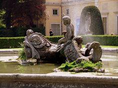 Villa Olmo's fountain   Como #enjoylarioville